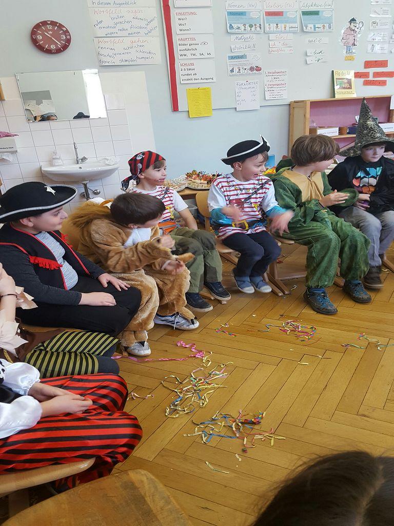 Wir Sind Die Klasse 4b Schuljahr 201718 Goethe Kepler Grundschule
