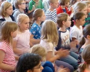 """Theaterbesuch """"Räuber Hotzenplotz"""" 3a, 3d, 4a"""